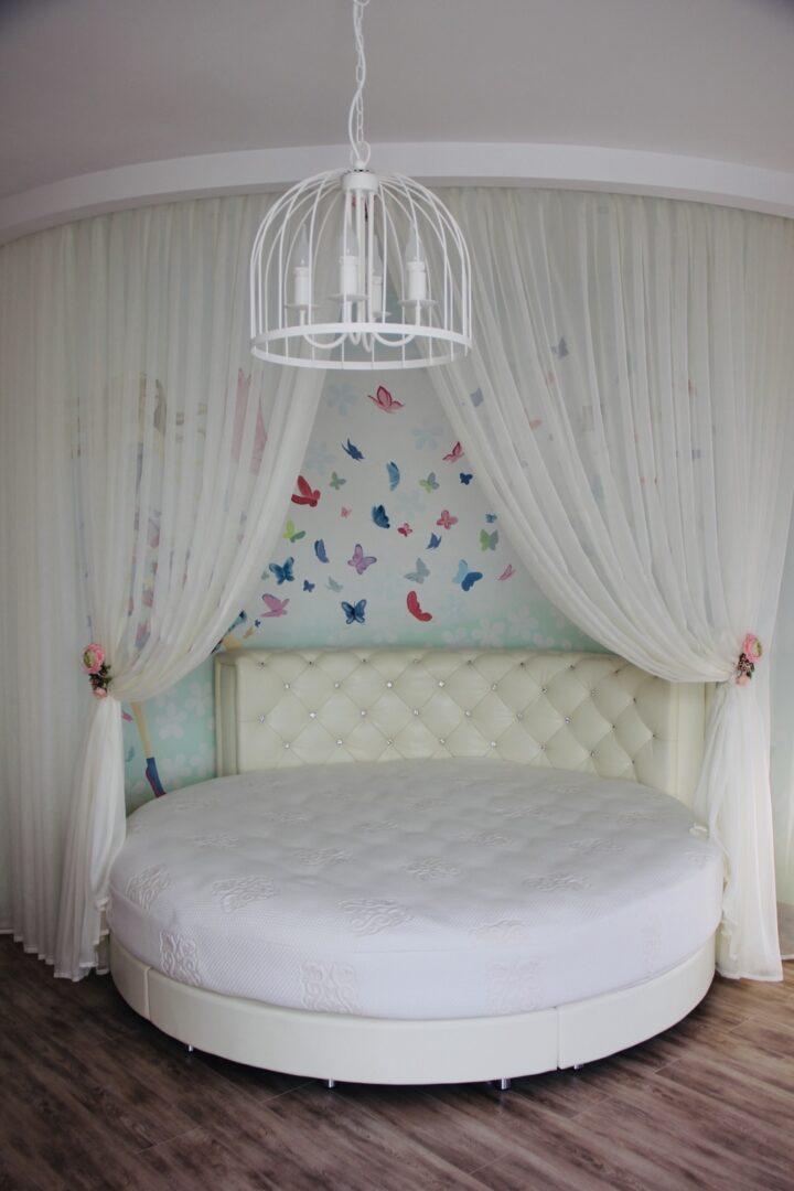 Gyerek ágy függönyözés